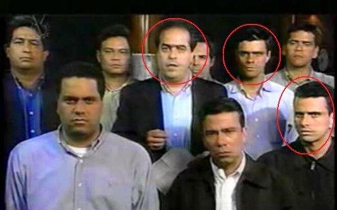 De gauche à droite: Julio Borges, Leopoldo Lopez et Henrique Capriles, lors de la lecture d'un manifeste soutenant le coup d'Etat contre Chavez en 2002