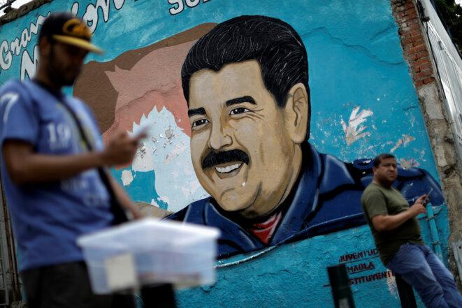Une fresque de Nicolás Maduro à Caracas © Reuters