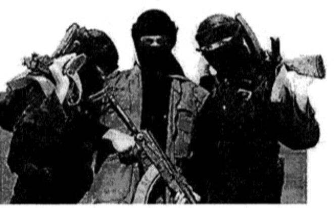 Tres combatientes del Estado Islámico. © DR