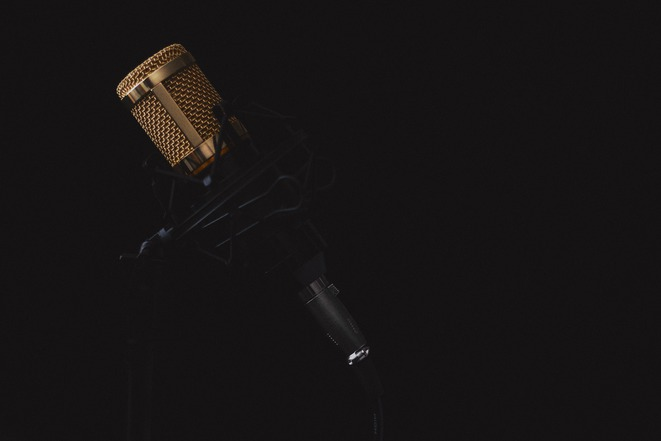 microphone-black-background
