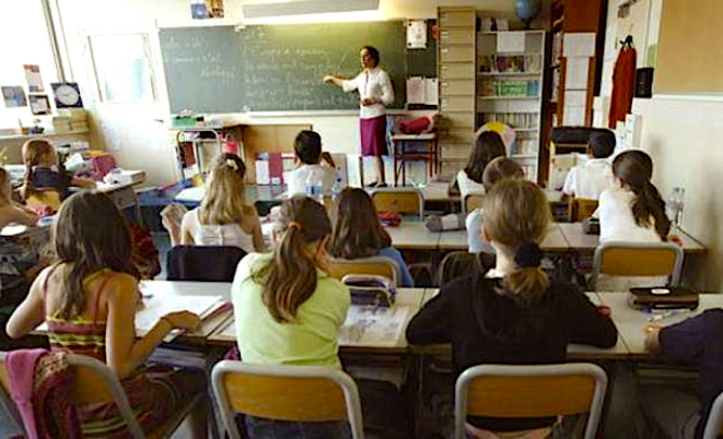 Dans une salle de classe © LD