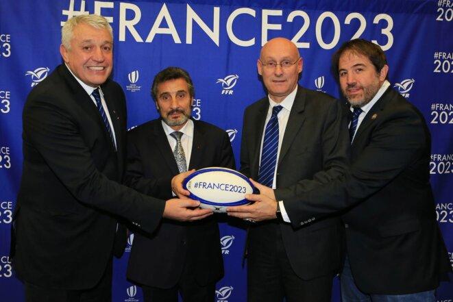 Claude Atcher (à gauche), directeur de la candidature #France2023. © FFR