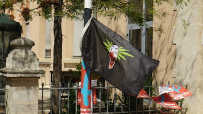 drapeau-lfi
