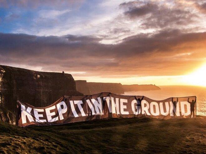 Campagne de l'ONG 350.org pour laisser les fossiles dans le sol (350.org)