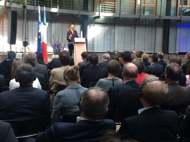 Édouard Philippe face aux représentants des milieux économiques. © ES