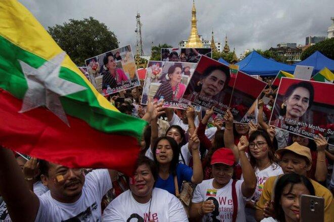 Manifestation de soutien à Aung San Suu Kyi, mardi 19 septembre 2017, à Rangoon © Reuters