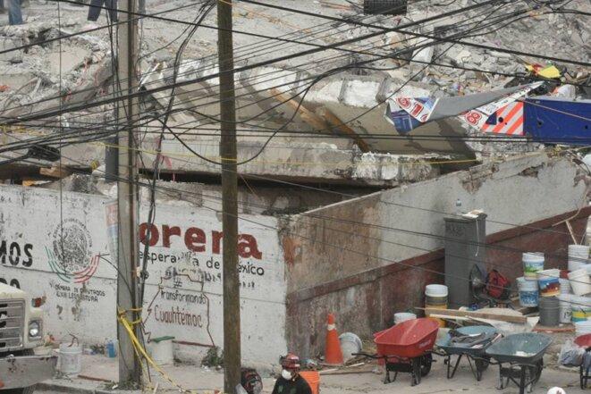 Ce qu'il reste de l'usine textile de la rue Bolivar, au sud de Mexico, où quatre personnes ont pu être sauvées © Eduardo Blas