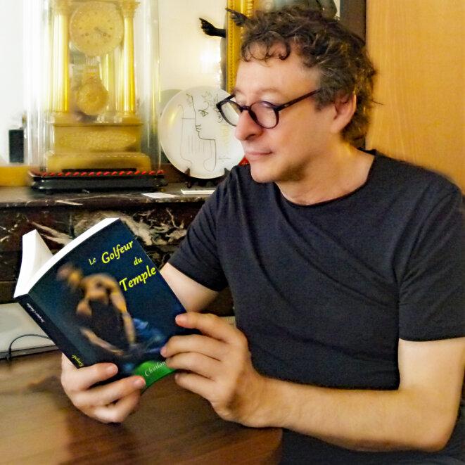 Jacques Chuilon lisant Le Golfeur du Temple