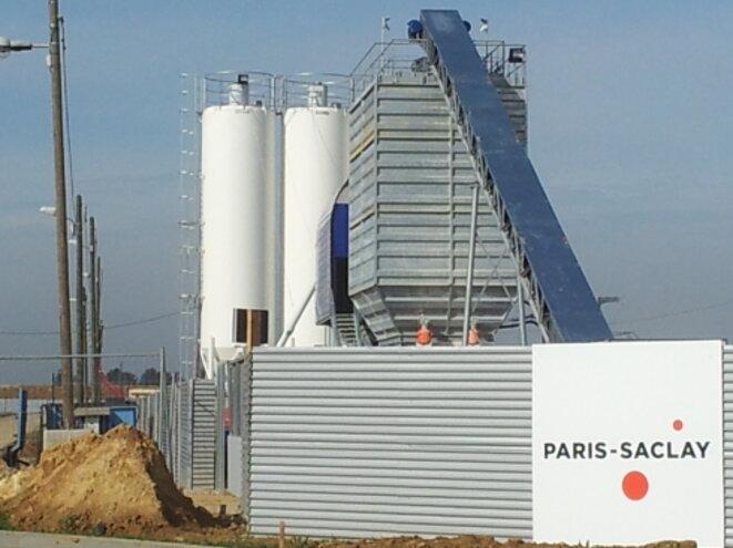 Paris-Saclay béton © Urgence Saclay !