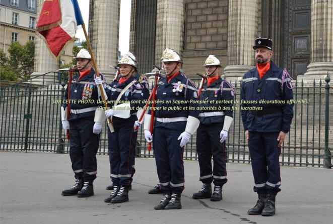 Déguisés en Sapeurs Pompiers sous l'arc de Triomphe !