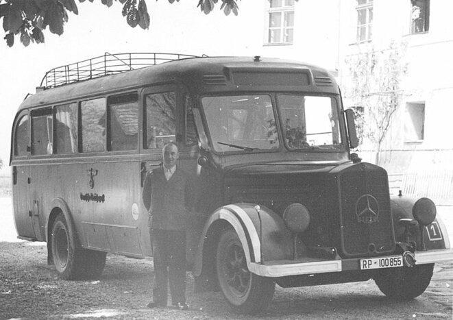Bus qui a mené des centaines d'enfants handicapés à la mort au château de Hartheim