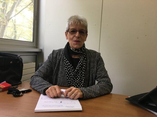 Yolande Guinle, conseillère régionale communiste d'Occitanie défend les centres de santé publics. © Julien Sueres