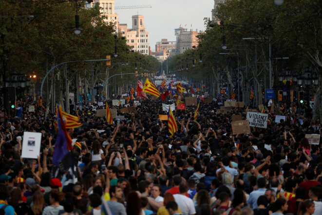 Manifestation contre les violences policières, à Barcelone le 3 octobre 2017 © Juan Medina / Reuters.