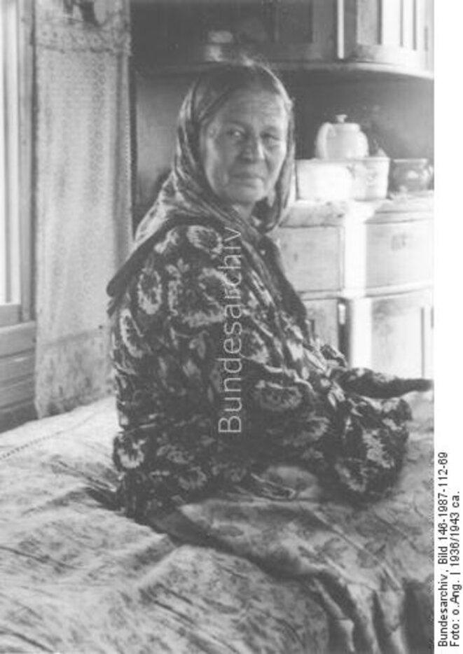 BunBundesarchiv, archives fédérales allemandes, Mme Disari, tsigane, internée au camp de Berlin-Marzahn