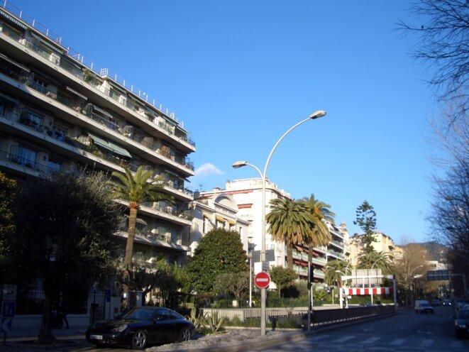 Le boulevard DUBOUCHAGE au centre-ville de Nice (06000) France