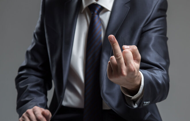 doigt-insulte-fuck-you-macron