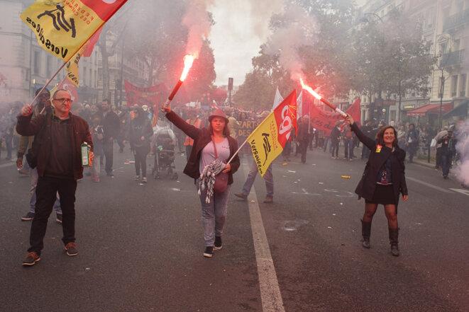 Dans le cortège parisien, la fédération des cheminots de Versailles de la CGT © AP