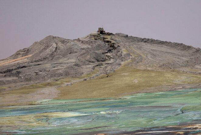 L'uranium extrait avec de l'acide sulfurique à Arlit en septembre 2013. © Reuters