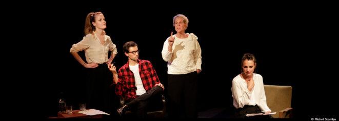 Au Lucernaire, Anne-Marie Philipe nous invite dans l'alcôve de Simone de Beauvoir © Michel Slomka