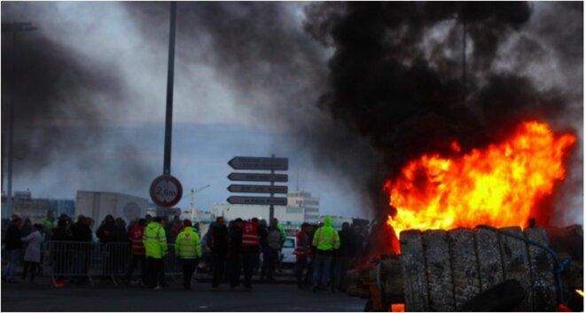 Blocage du port du Havre contre la loi sur le travail, le 19 mai 2016 © MG