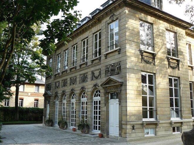 Hôtel Thiroux de Montsauge ou hôtel de Massa, siège de la Société des gens de lettres, rue du Faubourg St. Jacques