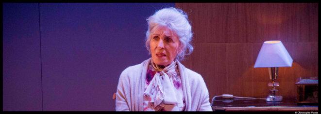 Au théâtre du Petit Saint-Martin, Jean Robert Charrier signe, avec Jeanne, une fable douce amère sur la vieillesse et la solitude © Christophe Vootz