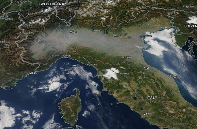Image NASA MODIS/Terra du 15 octobre du nord de l'Italie