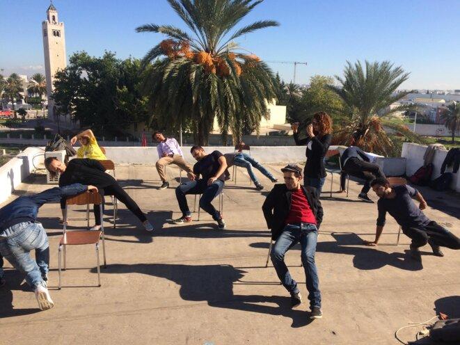 Corps en désordre à Tunis