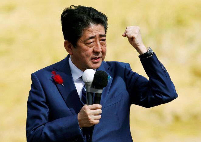 Le premier ministre japonais, Shinzo Abe, en campagne le 10 octobre 2017. © Reuters
