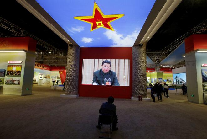 Une vidéo de Xi Jinping dans l'exposition organisée pour célébrer ses cinq ans de pouvoir. © Reuters