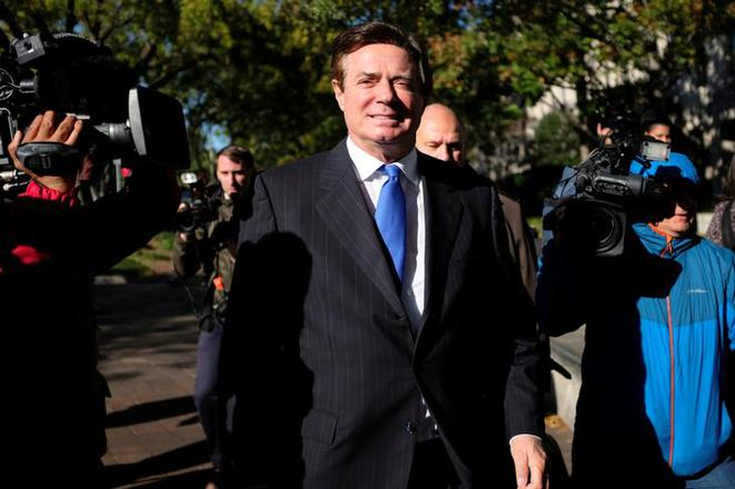 Paul Manafort, ancien directeur de campagne de Donald Trump, après son inculpation, lundi 30 octobre à Washington. © Reuters