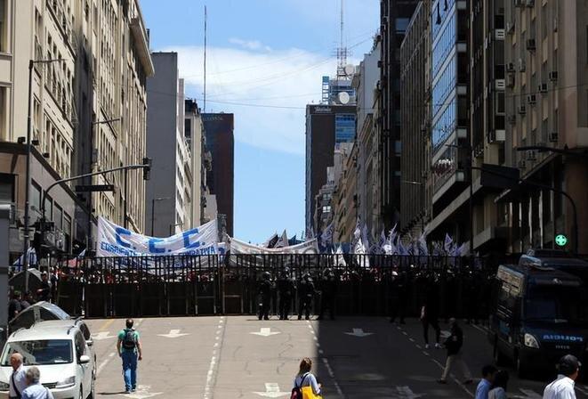 Manifestación contra las reformas económicas del gobierno, el 30 de octubre de 2017 en Buenos Aires. © Reuters