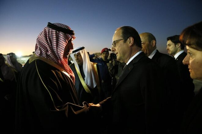 Le prince Turki ben Abdallah, alors gouverneur de la province de Riyad, accueille François Hollande pour les obsèques du roi Abdallah, le 24 janvier 2015. Turki ben Addallah a été limogé samedi 4 novembre 2017 © Reuters