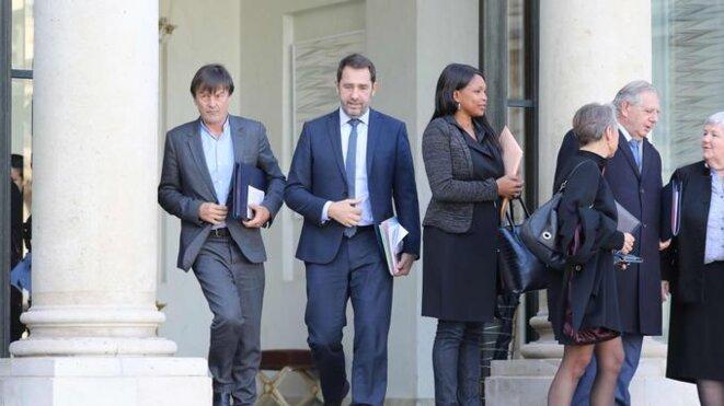 """Les Ministres à la sortie du conseil, """"visages fermés"""" © Ludovic Marin, AFP"""