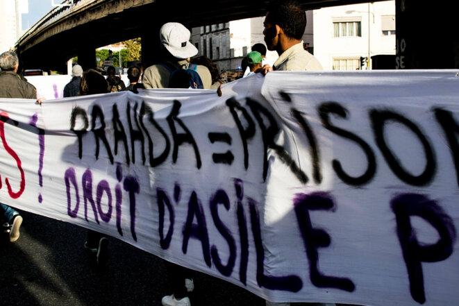 Manifestation du 10 novembre 2017 à Marseille - exigeant l'abrogation du règlement Dublin et l'arrêt des expulsions. © Delphine El Khatib