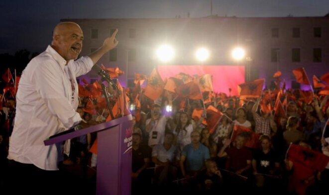 Le premier ministre Edi Rama, lors d'un meeting électoral, le 23 juin 2017. © Reuters