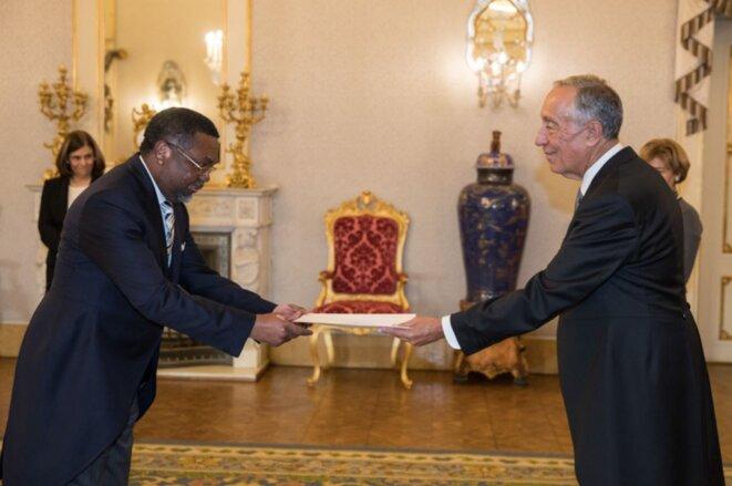 Présentation des lettres de créance au Président du Portugal par S.E.M Flavien Enongoué