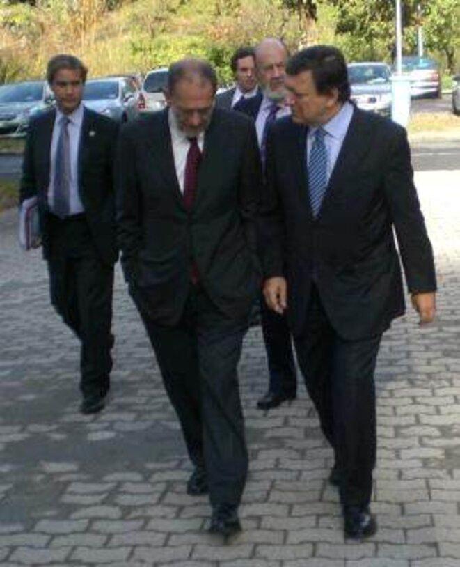 En quittant la Fondation Jean Monnet, Le président Barroso a l'air soucieux. La crise est grave. Elle ne concerne pas que la zone euro... © Monique Beltrame
