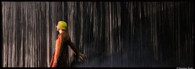 Au théâtre de l'Aquarium, Aurélie Van Den Daele redonne vit à la fresque noire et Tony Kushner © Marjolaine Moulin