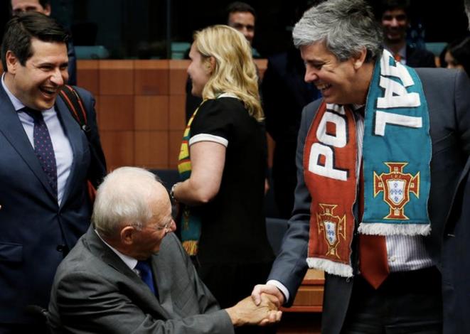Mario Centeno et Wolfgang Schäuble à Bruxelles, le 11 juillet 2016. © Reuters