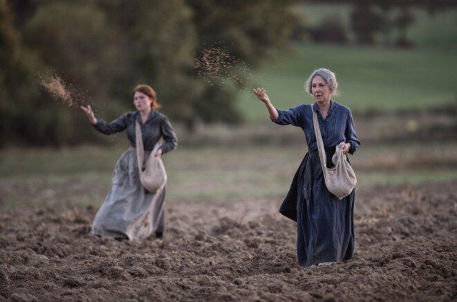 """Iris Bry et Nathalie Baye dans """"Les Gardiennes"""""""