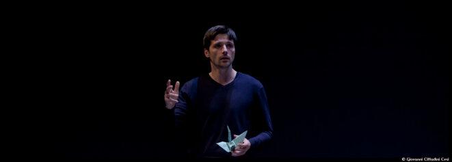 Au théâtre du Rond-Point, Raphaël Personnaz donne vie au texte vibrant d'Antoine Leiris , Vous n'aurez pas la haine © Giovanni Cittadini Cesi