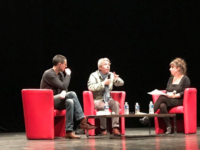 Eric Vuillard au Théâtre d'Auch le 24 novembre, avec Pascal Pradon et Marielle Dy, libraires [Ph. YF]
