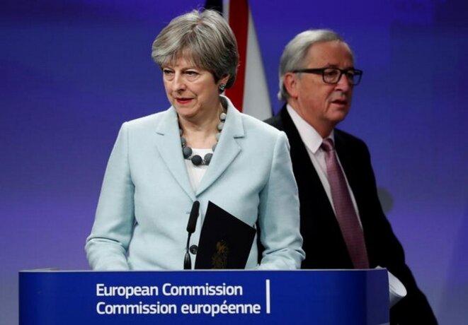 Theresa May et Jean-Claude Juncker à Bruxelles, le 8 décembre 2017. © Reuters