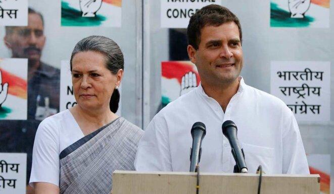 Sonia Gandhi et son fils Rahul. © Reuters
