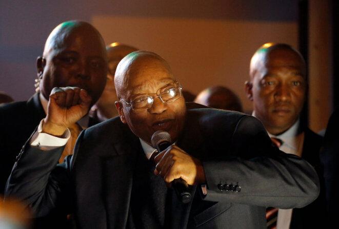 Jacob Zuma, toujours combatif, a passé l'essentiel de son mandat de président à essayer d'échapper à la justice. © Reuters