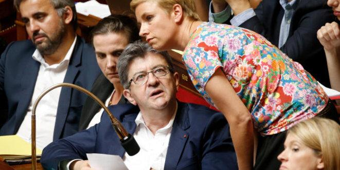 Le groupe de La France insoumise à l'Assemblée. Au premier plan : Jean-Luc Mélenchon et Clémentine Autain. © Reuters