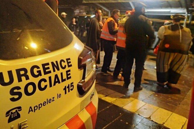 Le 115 numéro de référence Urgence Sociale © Didier CODANI