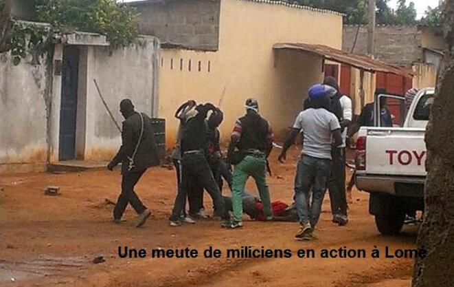 Images  de miliciens à l'œuvre à proximité de  l'hôpital de Bè  (Togo Tribune)