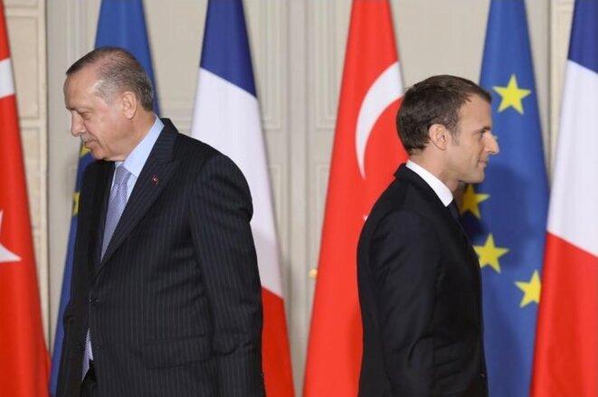 Emmanuel Macron et Recep Tayyip Erdogan en partance pour la conférence de presse, vendredi 5 janvier 2018. © Reuters